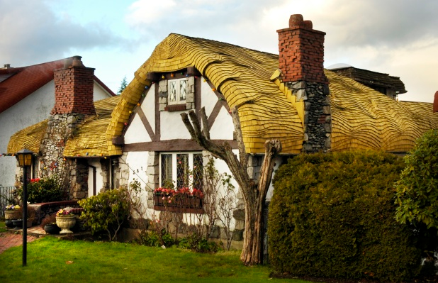 Storybook homes and sea wave roofs in british columbia for Storybook homes prices