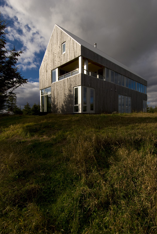The bowler house a rustic beauty on antigonish harbour for Arch design architects limited