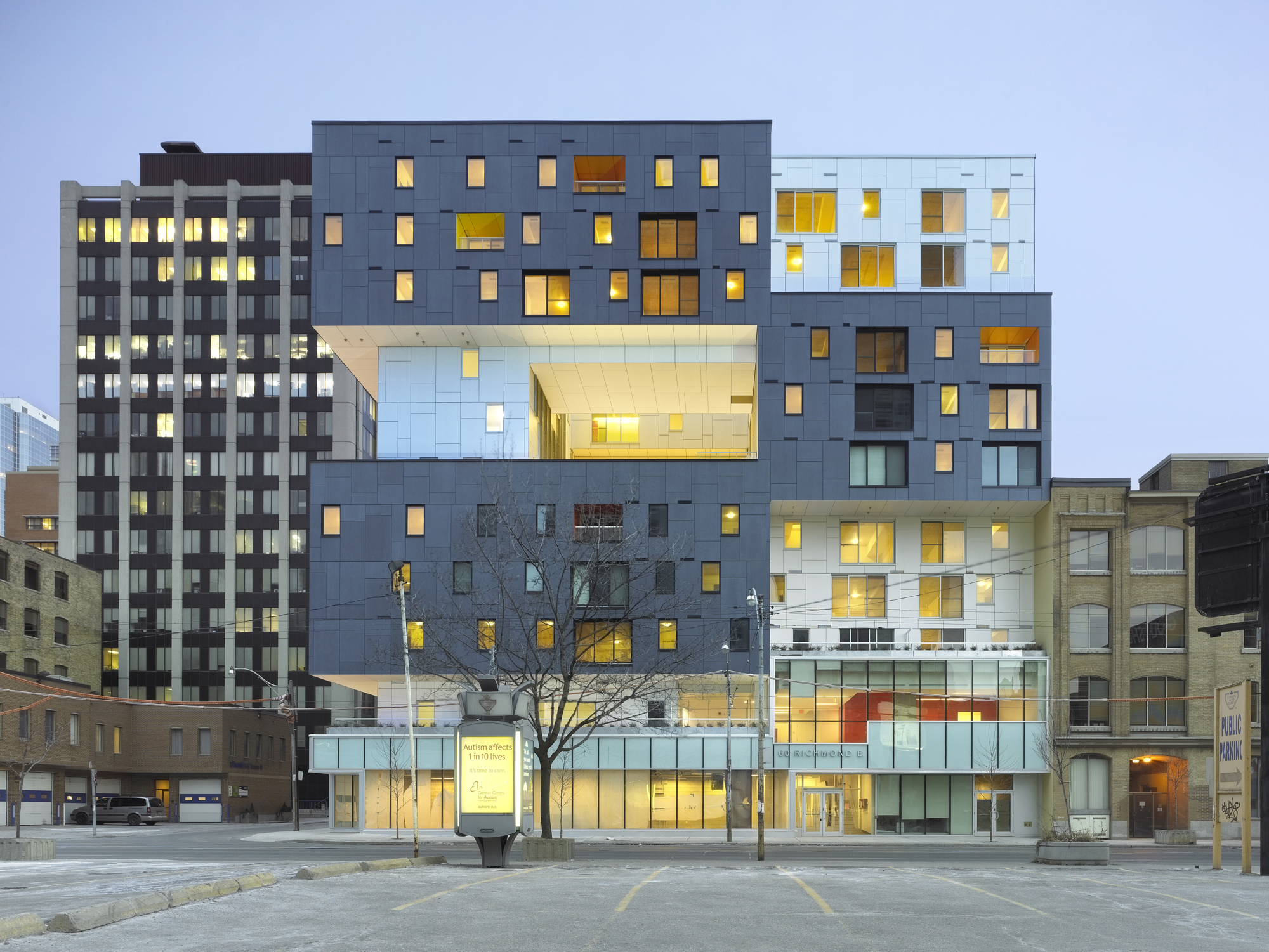 Toronto 39 s 60 richmond east housing development by teeple for Best housing projects
