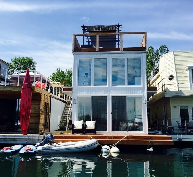 Floating Homes: A Unique Alternative   Houseporn.ca