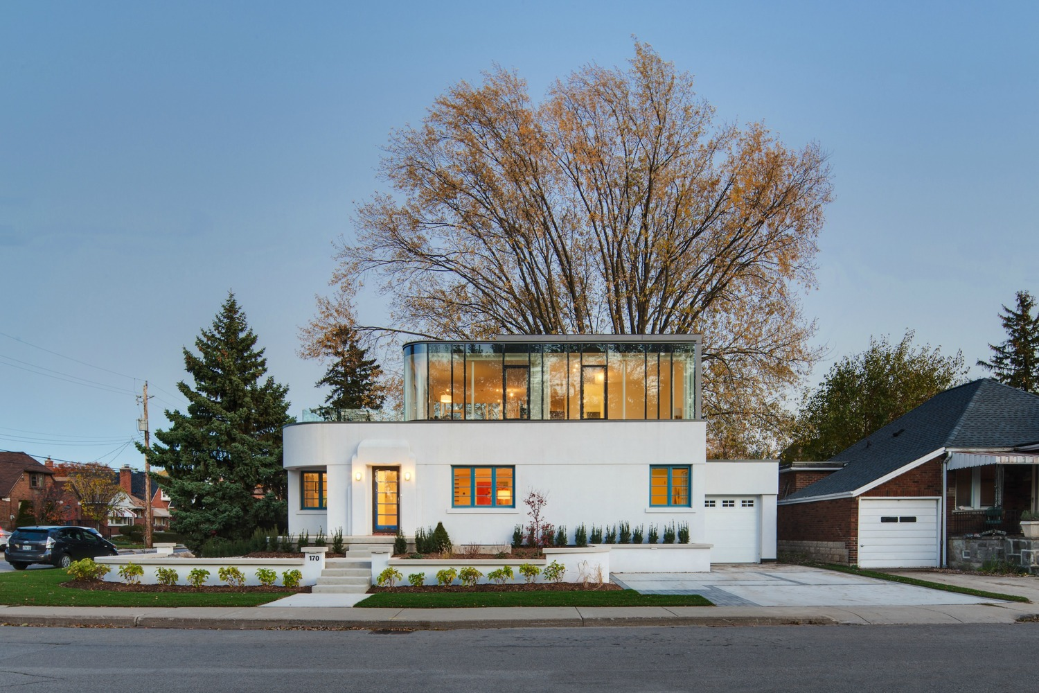 The Art Moderne Hambly House In Hamilton Ontario Gets Refreshed