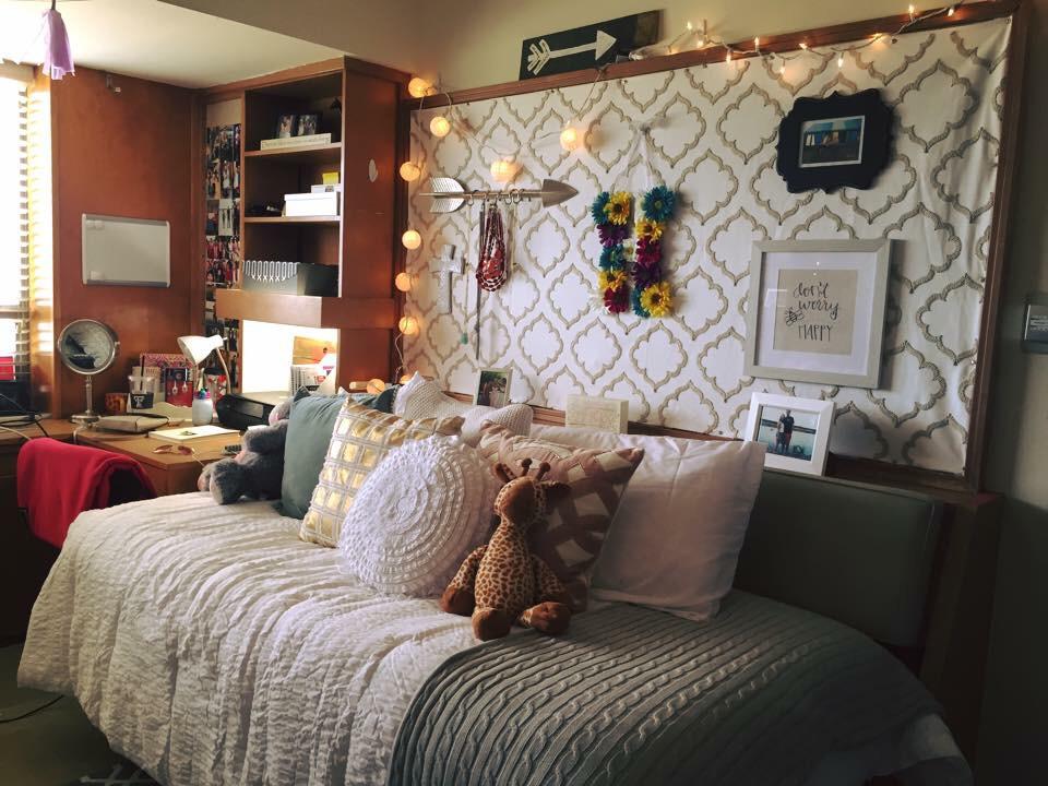 Making Your Dorm Room Feel Like Home Houseporn Ca