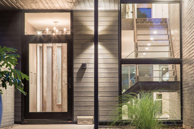 Modern Home In Burlington Ontario By Smpl Design Studio Houseporn Ca